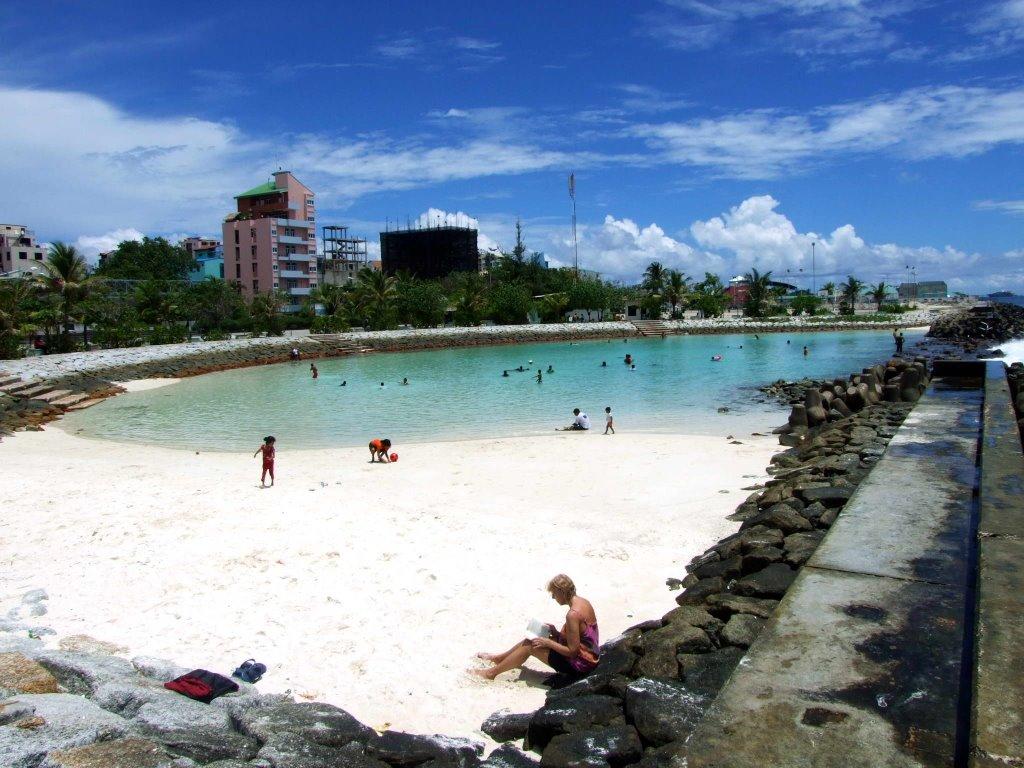 maldivler-Artificial-Beach